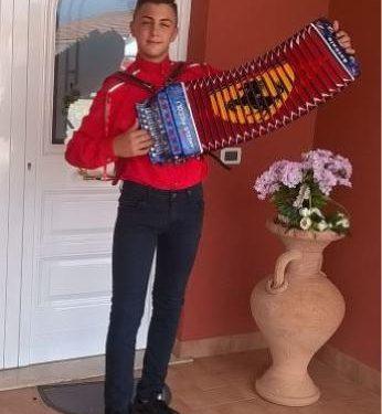 Antonio Mirabella è Campione del Mondo di Organetto